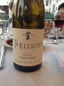 Tr Elliot Queste Pinot Noir 2012